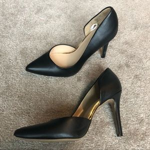 2🏝for $20 Merona Black Gold Pumps